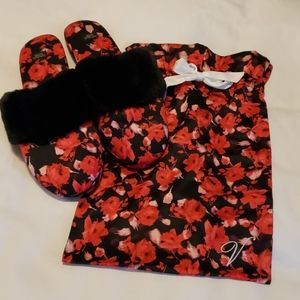 Victoria's Secret Red Floral Slippers w Dust Bag